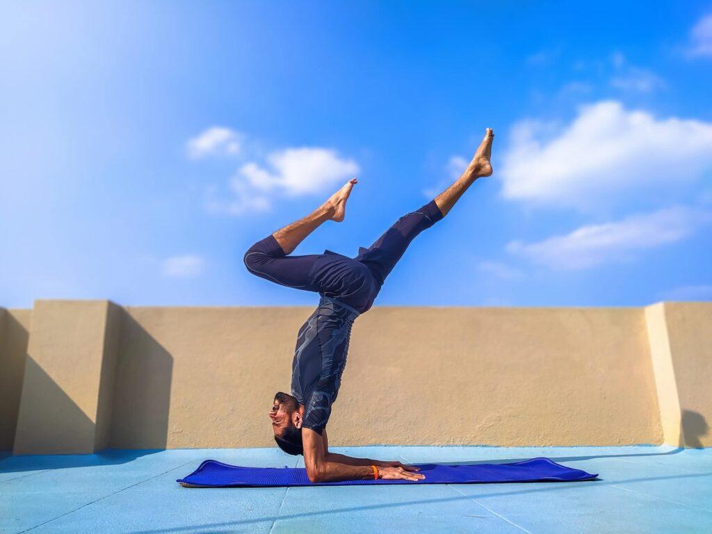 mens yogi